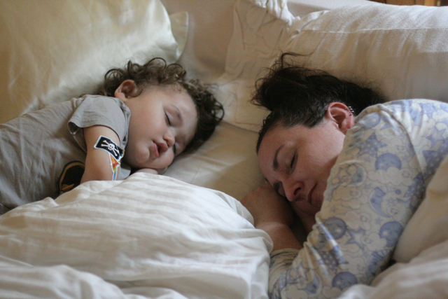 cosleeping-mama-toddler
